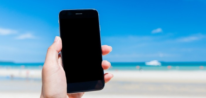 Smartphone, sicurezza, selfie, geolocalizzazione, la privacy sotto l'ombrellone